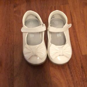 Toddler girl dress shoes!!